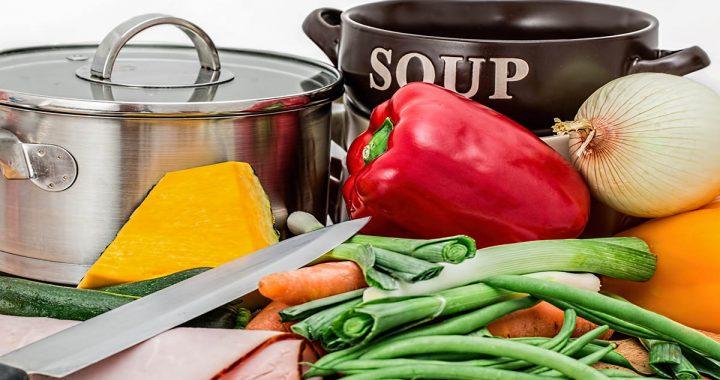 zdjęcie zupy i warzyw