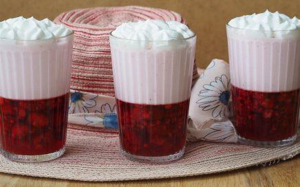 zdjęcie deseru pokazane wtrzech szklankach