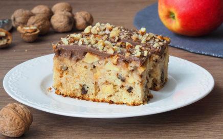 zdjęcie ciasta zjabłkami iorzechami