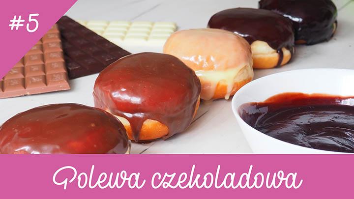 Zdjęcie pączków wpolewie czekoladowej